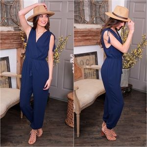 ✨LAST ONE✨Navy sleeveless jumpsuit